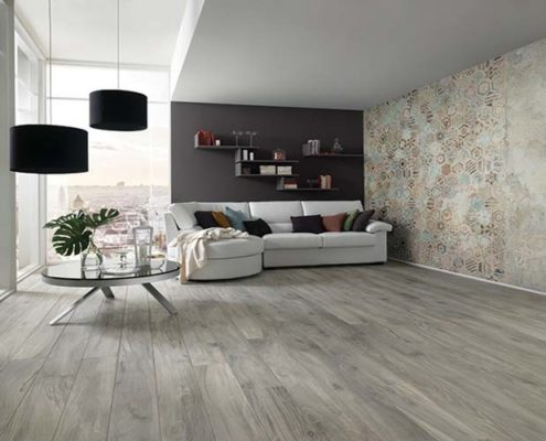 Gres floor effect wood and wallpaper